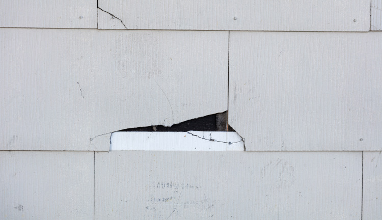 4 Warning Signs That Your Siding Is Installed Incorrectly